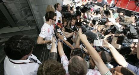 Fernando Alonso vs media