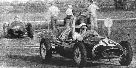 Stirling Moss, Luigi Musso, 1958 Argentine GP