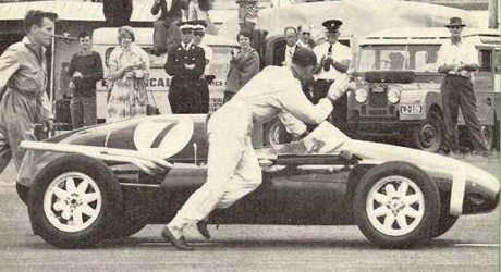 Stirling Moss, Cooper, 1st round 1959 NZ-GP